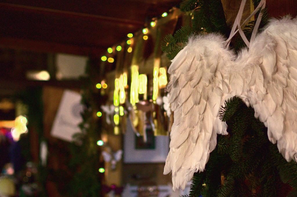 Engelsflügel auf dem Weihnachtsmarkt