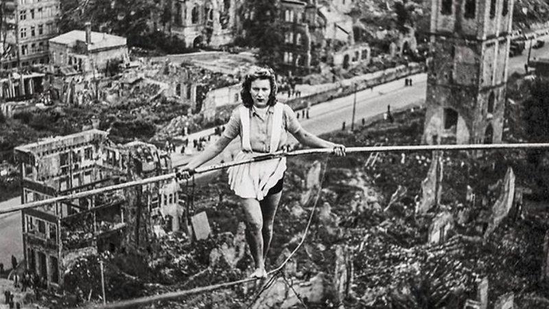 Seintänzerin über Köln, 1946