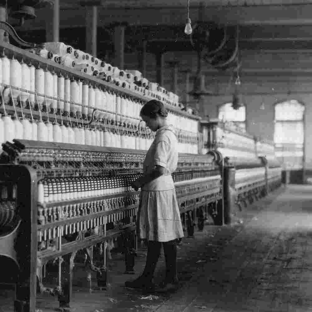 Kinderarbeit Mädchen am Webstuhl