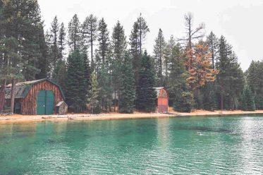 Insel mit Hütten