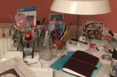 Ein analoger Schreibtisch